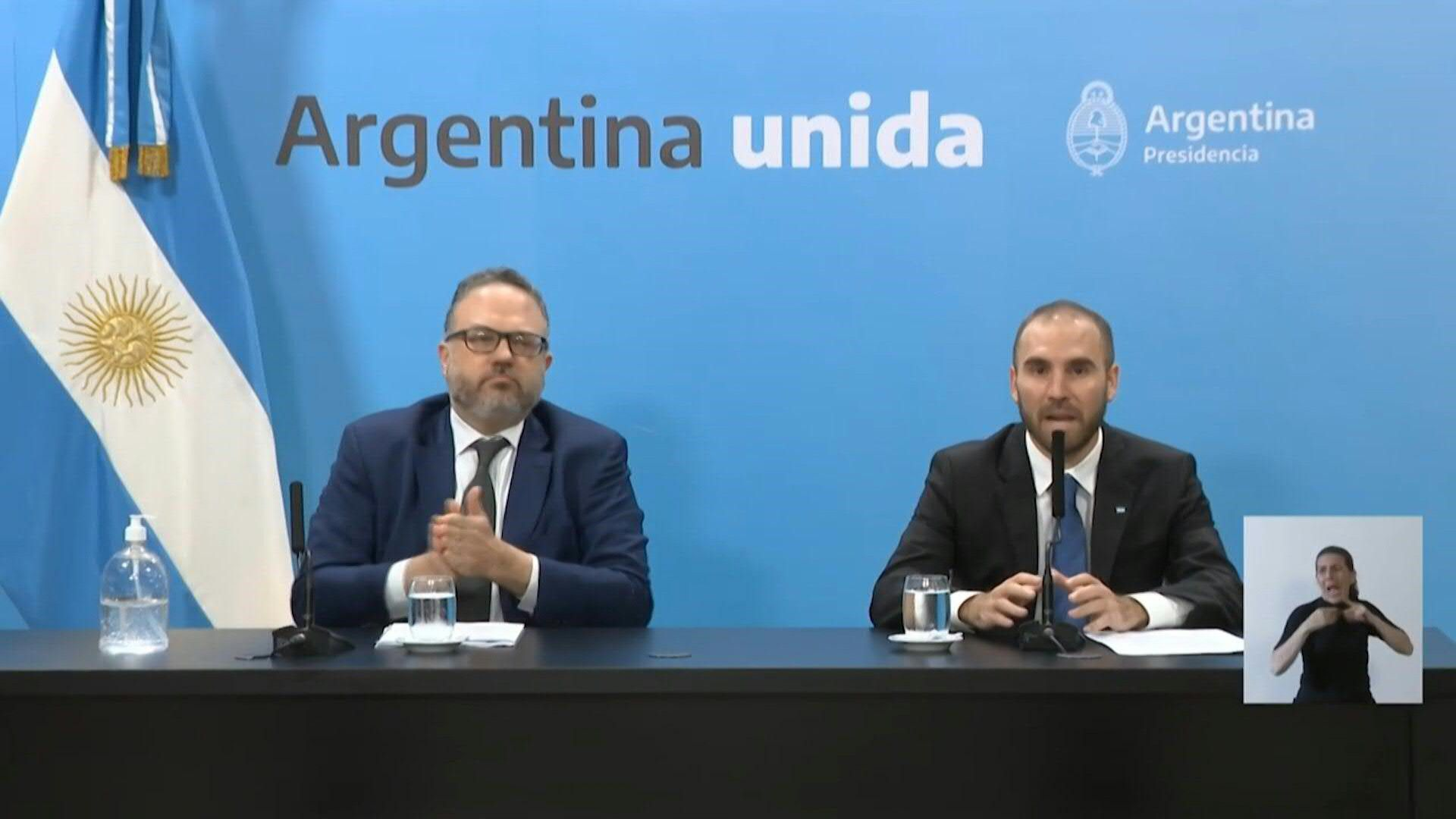 Los gobiernos de Argentina y Brasil anunciaron el martes medidas económicas como subsidios, inversiones y créditos para afrontar las consecuencias que pueda tener la pandemia del nuevo coronavirus.