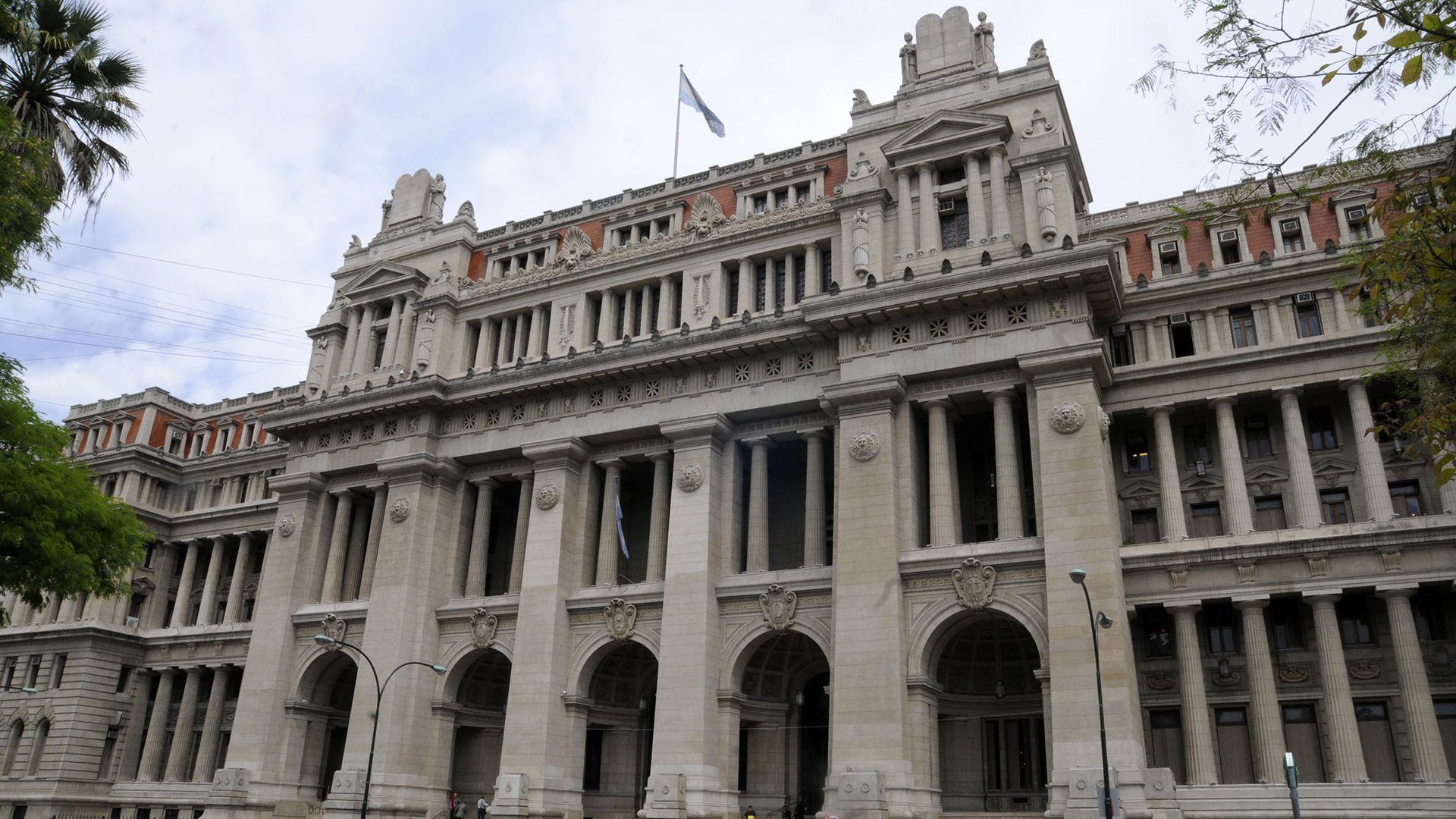 El Palacio de Tribunales, sede de la Cámara Civil y Comercial Federal (NA: Hugo Villalobos)