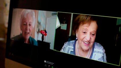En noviembre de 2020, Betty y Ana María se reencontraron a través de una videollamada, de la que también participaron sus familiares (USC Shoah Foundation)