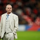 Soccer Football - Euro 2020 Qualifier - Group A - England v Montenegro - Wembley Stadium, London, Britain - November 14, 2019 Former England international Paul Gascoigne on the pitch at half time Action Images via Reuters/John Sibley