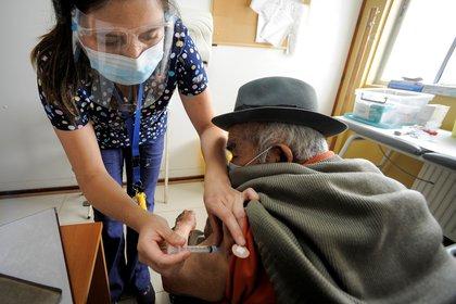 Chile vacunó a más de 550.000 personas en tres días (REUTERS/José Luis Saavedra)