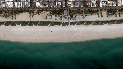 Las playas también podrían ser re abiertas (Foto: Technologies/Handout via REUTERS)