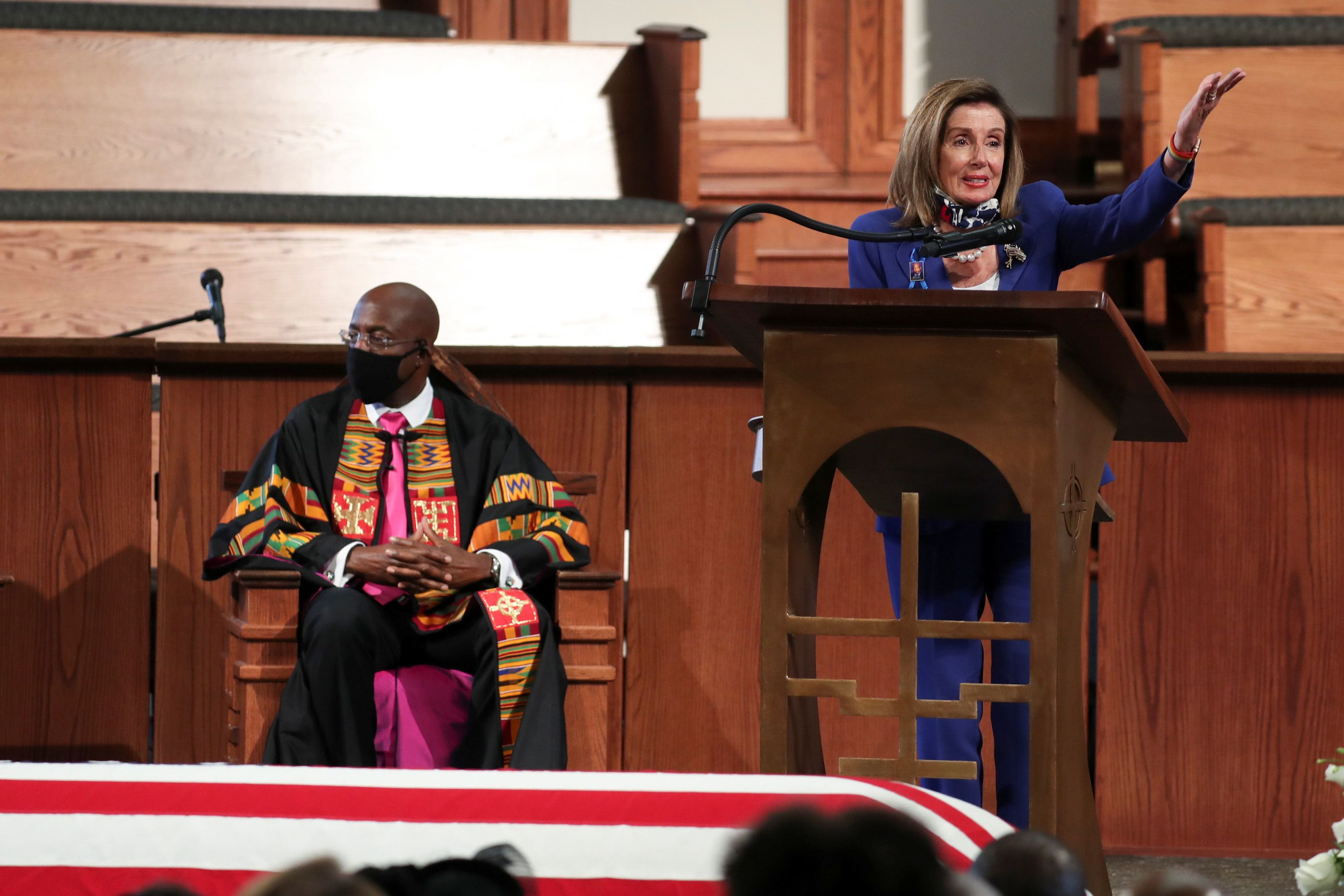 Nancy Pelosi dio un emotivo discurso para conmemorar a John Lewis  (Alyssa Pointer/Pool via REUTERS)
