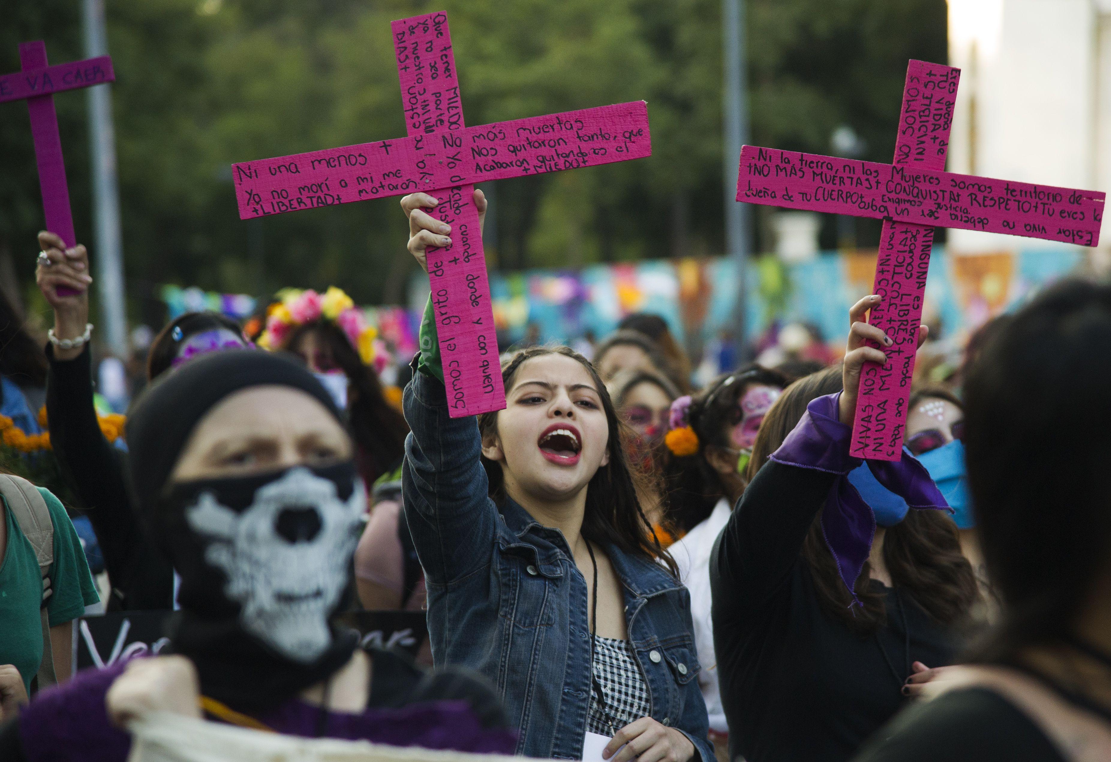 MEXICO - DIA DE MUERTOS - FEMINISMO - FEMINICIDIOS - 02112020