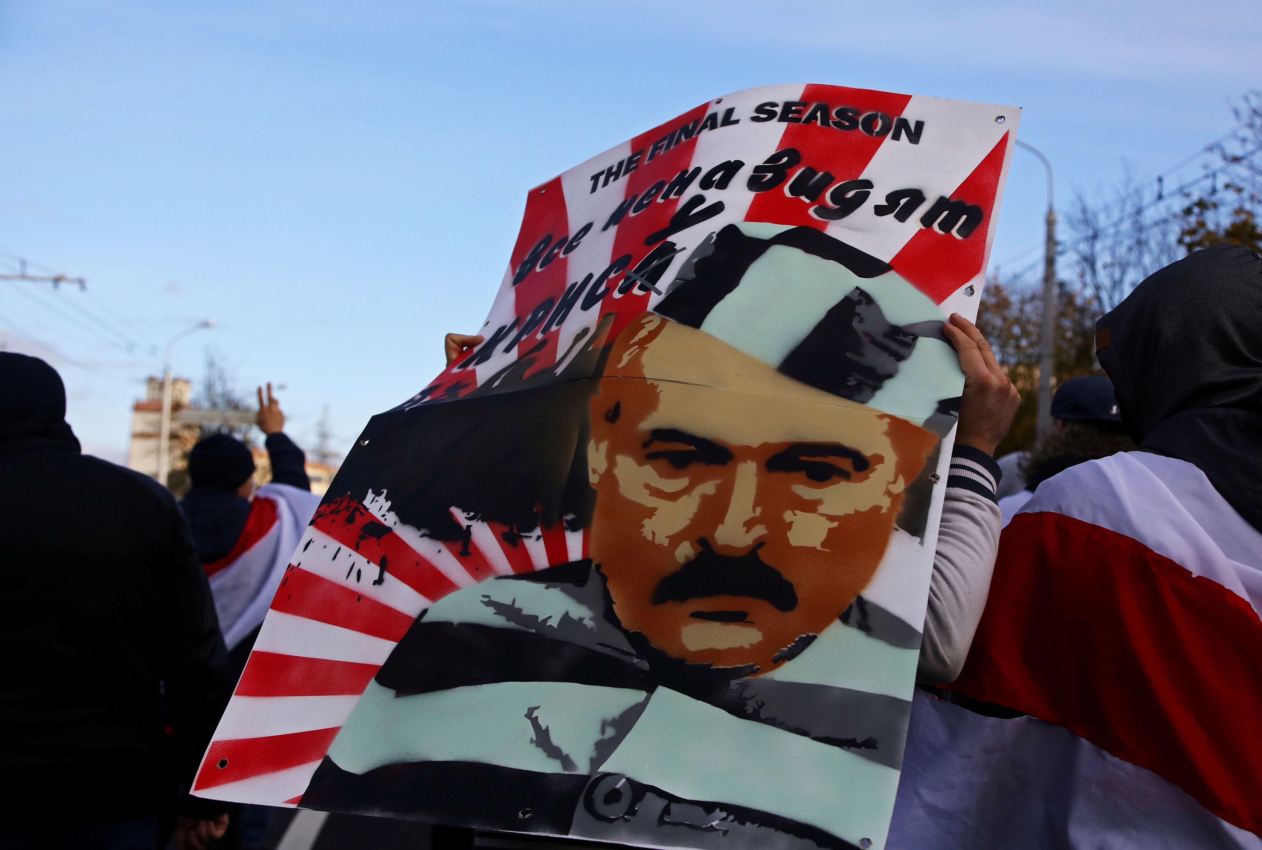 Cada semana miles de bielorrusos se movilizan en todo el país para pedir la renuncia de Lukashenko (REUTERS/Stringer)