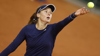 Nadia Podoroska extendió su gran momento (EFE/EPA/IAN LANGSDON)