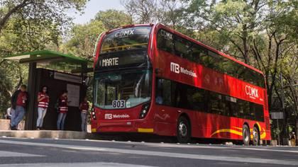 El director general del metrobús indicó que el transporte sigue trabajando con normalidad y que se está ajustando la operación para fortalecer el servicio y garantizar amplia capacidad en estaciones de mayor demanda (Foto: Cuartoscuro.com)