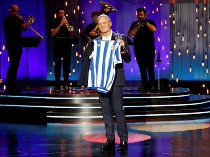 El actor estadounidense, Viggo Mortensen, durante la ceremonia de entrega del Premio Donostia durante la 68 edición Festival Internacional de Cine de San Sebastián. EFE/Juan Herrero.