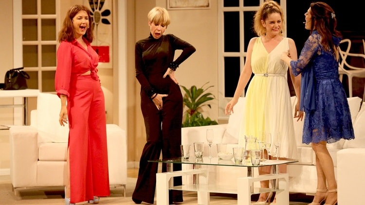 """Las """"Brujas"""", sobre el escenario del Teatro Candilejas (Mario Sar)"""