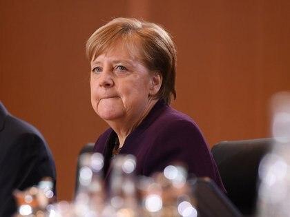 Foto del miércoles de la canciller alemana Angela Merkel en la reunión semanal de gabinete en Berlín.  Feb 12, 2020.  REUTERS/Annegret Hilse