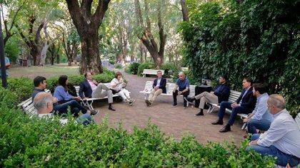 Los 12 dirigentes del PRO (Vidal, desde la computadora) avanzaron en acuerdos y limaron asperezas