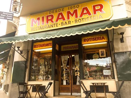 Miramar (@rotiseriamiramar)