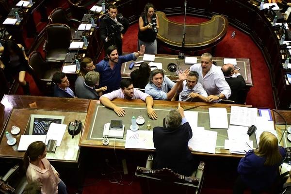 Emilio Monzó, increpado por diputados del Frente para la Victoria