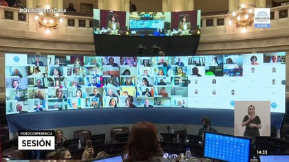El Senado trató el proyecto de teletrabajo, presidido por Cristina Fernández de Kirchner, en forma remota