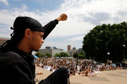 La empresa dijo abogar por la justicia y para que las demandas de la población sean escuchados (Foto: REUTERS/Adam Bettcher)