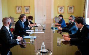 Máxima preocupación en el Gobierno por la segunda ola: Santiago Cafiero convocó de urgencia a una reunión de Gabinete