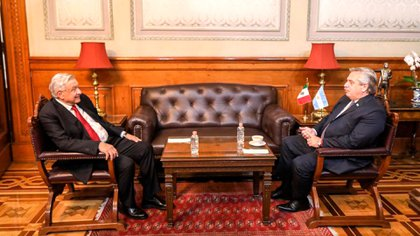 El presidente de Argentina Alberto Fernández y el presidente de México Andrés Manuel López Obrador. Palacio Nacional, Ciudad de México, 23 de febrero de 2021.