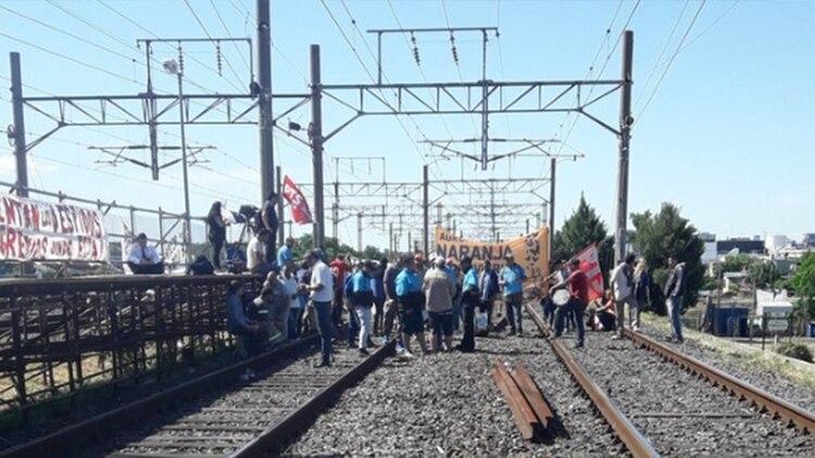 El Tren Roca Brindó Un Servicio Limitado Por Una Protesta
