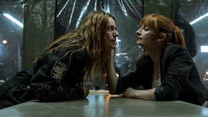 Alicia Sierra (derecha) interrogando a Lisboa (izquierda) (Foto: La Casa de Papel/Netflix/Temporada 4)
