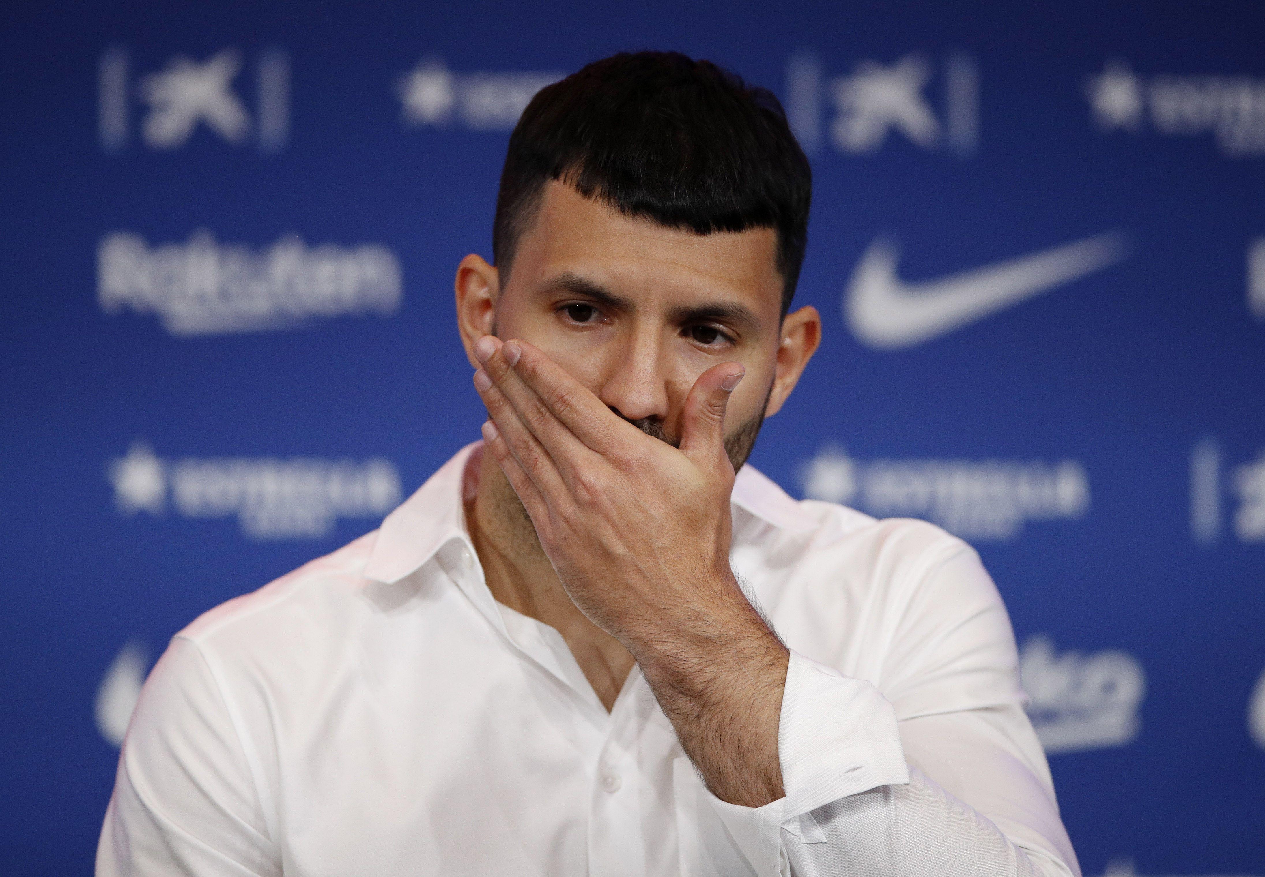 El Kun Agüero viajó a Barcelona antes de sumarse a la Selección. Foto: REUTERS/Albert Gea