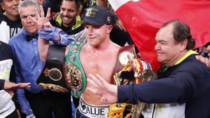 Canelo Álvarez se consagró campeón en la cuarta categoría distinta (Foto: AP)