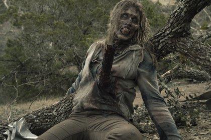 Hay dos clases de zombies: los que usan máscaras y se las pueden quitar entre escena y escena, y los que están maquillados durante toda la jornada de rodaje (Foto: Ryan Green/AMC)