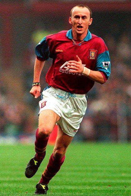 Sasa Curcic, durante su paso por Aston Villa
