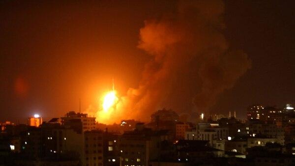 Bombardeo israelí contra objetivos de Hamas en Gaza (Reuters)
