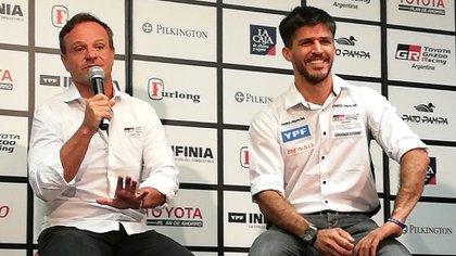 Rubens Barrichello y Matias Rossi en el evento de Toyota en el Automovil Club Argentino (Prensa Toyota Gazoo Racing Argentina)