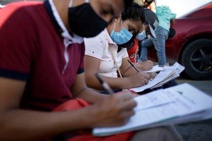 Los ciudadanos deberán seguir algunos requisitos para acceder a los recursos. (Foto: Reuters)