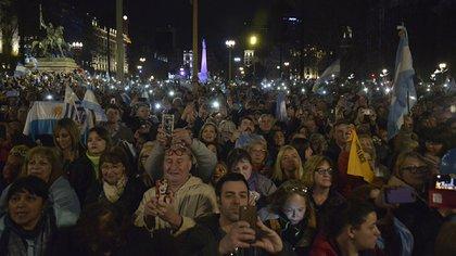 La masiva movilización en Plaza de Mayo (Gustavo Gavotti)