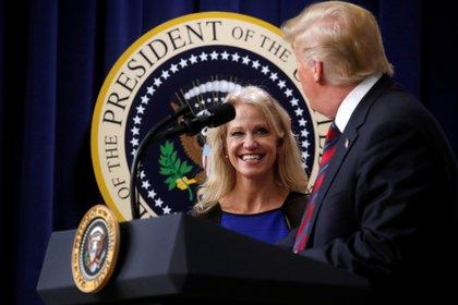 Donald Trump y Kellyanne Conway. REUTERS/Leah Millis /File Picture