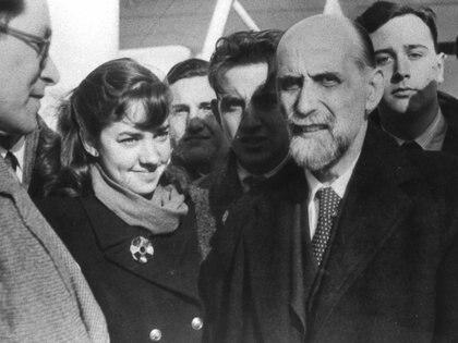 María Elena Walsh con Juan Ramón Jiménez, en 1948 (Fundación María Elena Walsh)