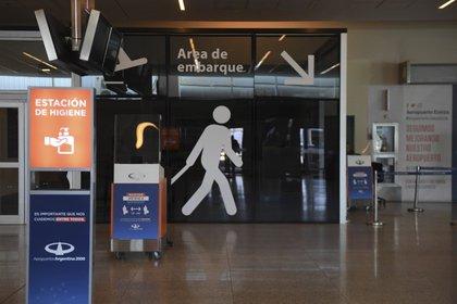 La compañía Aerolíneas Argentinas suspendió vuelos a cuatro destinos
