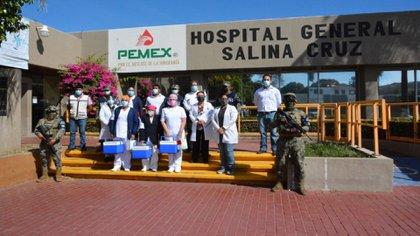 En su red hospitalaria hay 13 mil 628 trabajadores (Foto: Pemex)