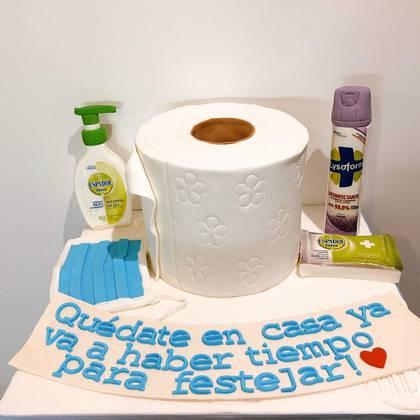 La primera torta de coronavirus que hizo Catalina Moroni en cuarentena inspirada en el COVID-19 (Fotos: @mocabycatamoroni)