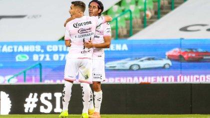 Almada reconoció que el cuerpo técnico sufrió con el trompicado inicio de torneo (Foto: Cortesía/ Club Santos/ Jos Alvarez/ JAM MEDIA)