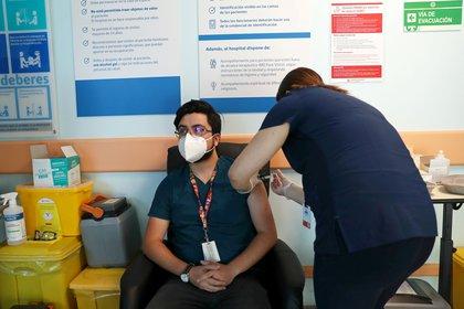 Chile comenzó su campaña de vacunación contra el covid-19 la semana pasada. Foto: REUTERS/Ivan Alvarado