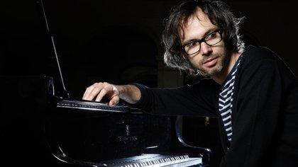 James Rhodes, el concertista británico que se casará con Micaela Breque y sobrevivió al espanto