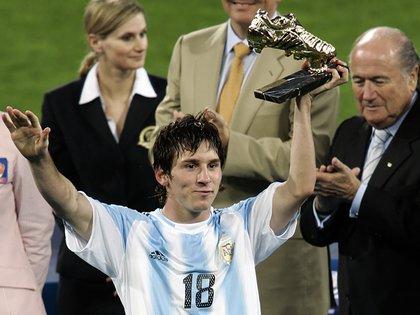En el Mundial Sub-20 de Holanda (2005) Messi se reivindicó de lo hecho en el Sudamericano, fue el goleador y el MVP (AP)