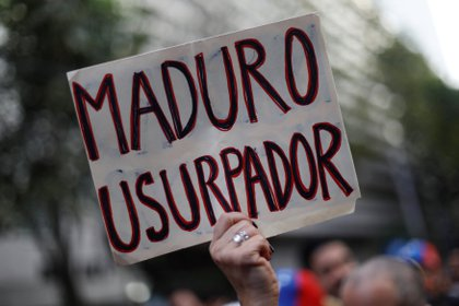 Miles de personas salieron a las calles durante toda la semana para exigir la salida de Maduro del poder (Reuters)