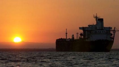 Un petrolero sobre el lago de Maracaibo, Venezuela (Bloomberg)