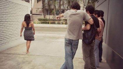 El acoso callejero es una práctica que sufren todas las mujeres pero que perjudica especialmente a las jóvenes y adolescentes.