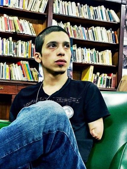 Hoy, con 30 años, Leandro es un periodista a punto de escribir su primer libro (Alpi)