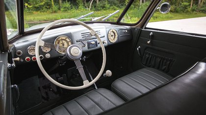 En el interior también se mostraba como un auto adelantado, con toques modernos. (Sotheby's)
