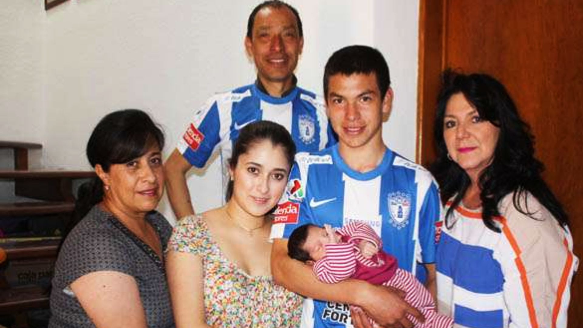 Lozano apenas había alcanzado la mayoría de edad cuando embarazó a su novia (Foto: Facebook)