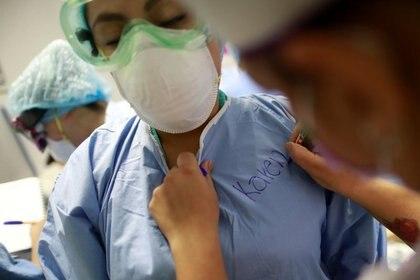 En el Hospital General de El Quemado, Acapulco, reportaron que 44 médicos y enfermeras contagiados (Foto: Reuters/Carlos Jasso)