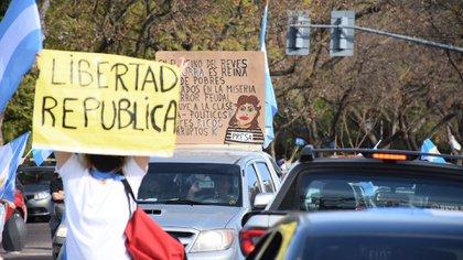 Banderazo contra el Gobierno en Rosario. (Leo Galletto)