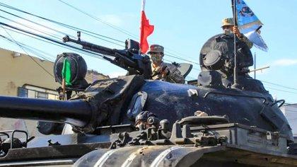 Uno de los tanques despegados (ANDINA / AFP)