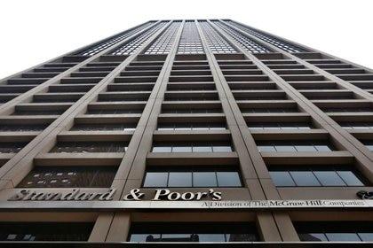 S&P, la calificadora que sacó hoy a la Argentina del default